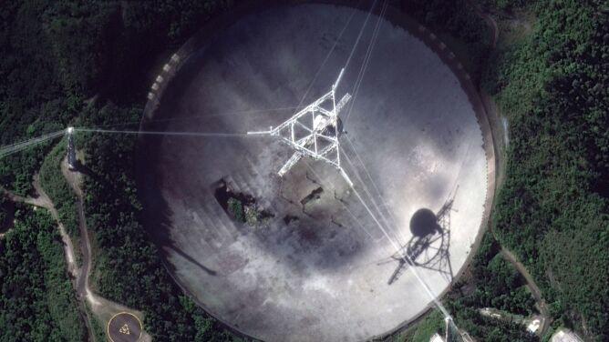 Koniec Obserwatorium Arecibo. Radioteleskop przechodzi na emeryturę